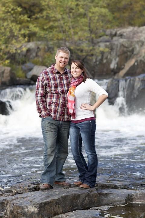 Leah + Brent :: Eau Claire, Wisconsin Engagement Photography